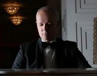 Сегодня День рождения празднует старший администратор нашего театра Олег Анатольевич Елисеев!