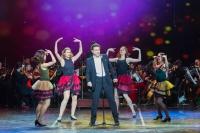 Артисты Астраханского театра Оперы и Балета поздравляли с юбилеем Сбербанк