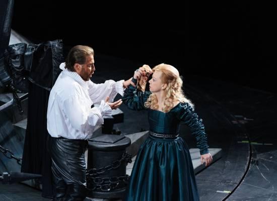 В день рождения театра — трансляция спектакля «Отелло»