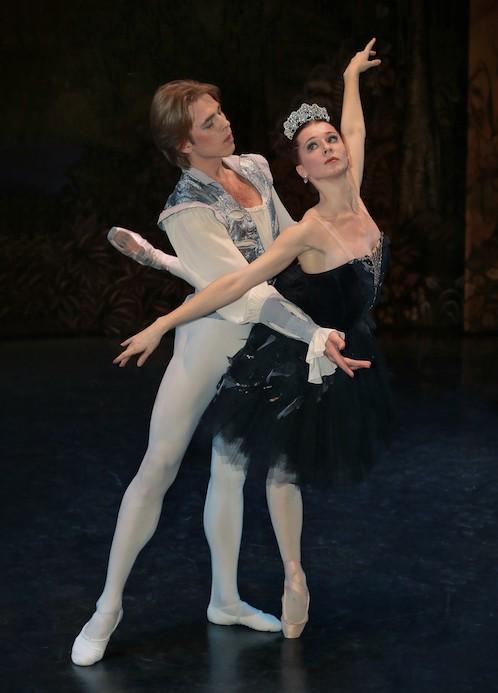Балет «Лебединое озеро» Петра Чайковского  на сцене уже сегодня
