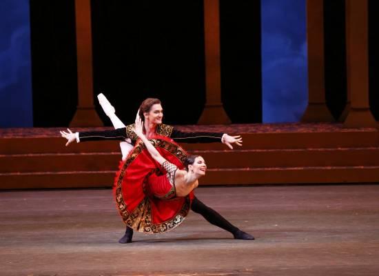 Звезды Большого театра впервые выступят в Астрахани