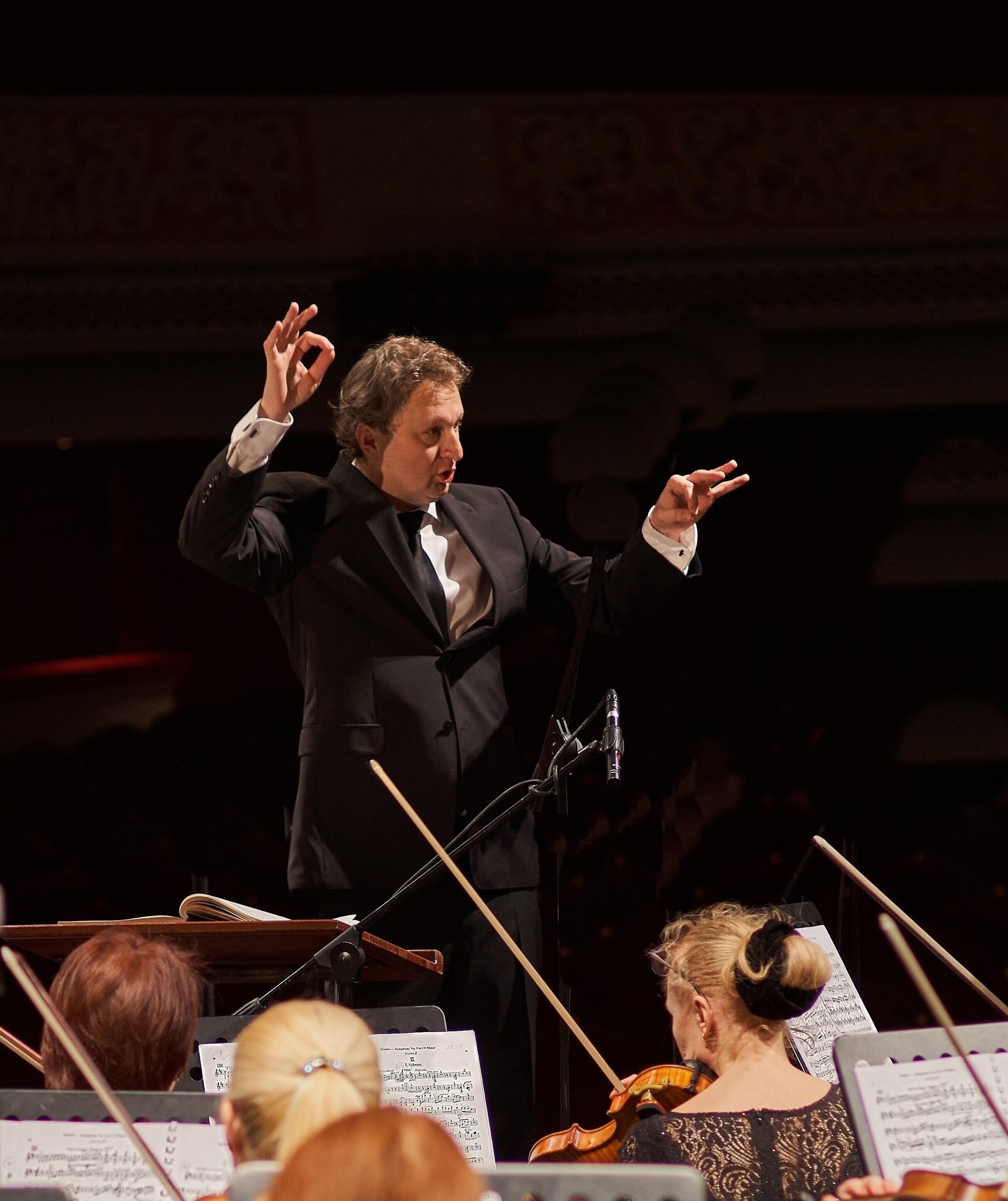 Симфонический оркестр Астраханского театра Оперы и Балета под управлением главного дирижёра Валерия Воронина завершит фестиваль классической музыки  «Сочи. Сириус»
