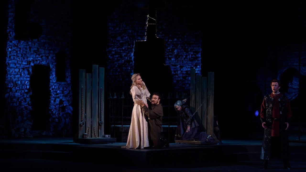 До премьеры оперы «Трубадур» остается 1 день