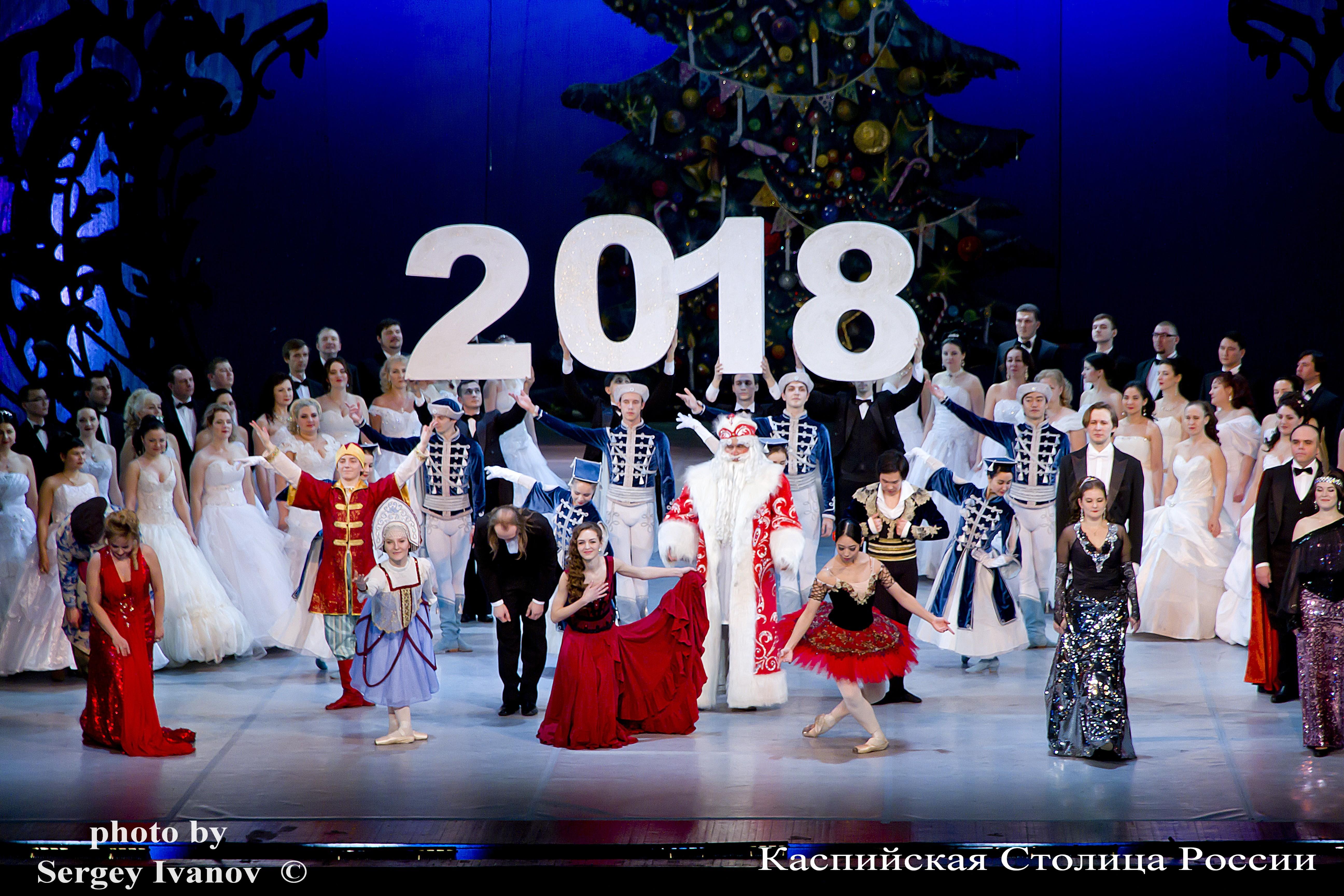 В Астрахани начались новогодние «променадные» концерты