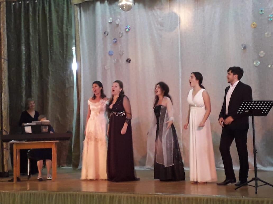 Артисты оперы готовят концерт для пожилых людей