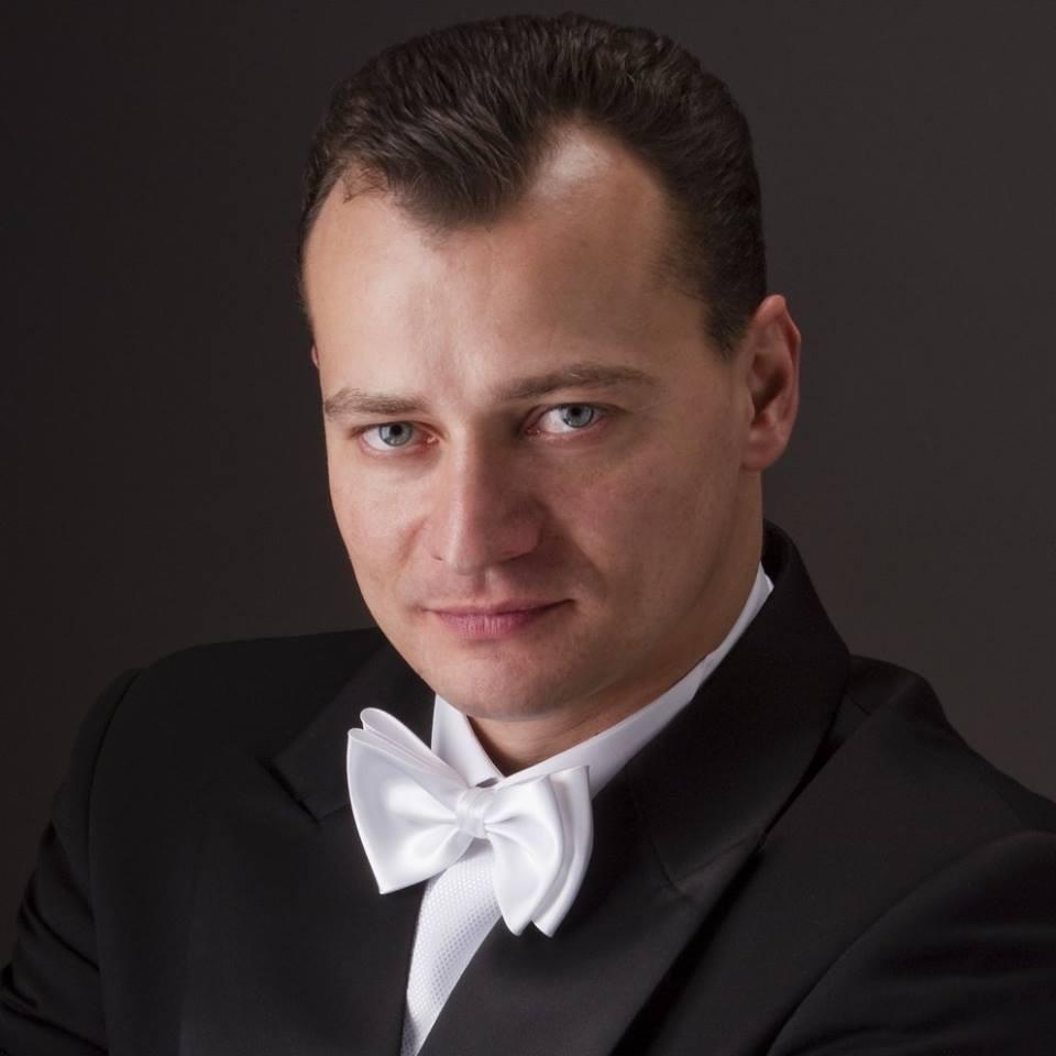 В Астраханском театре Оперы и Балета выступит дирижёр из Польши