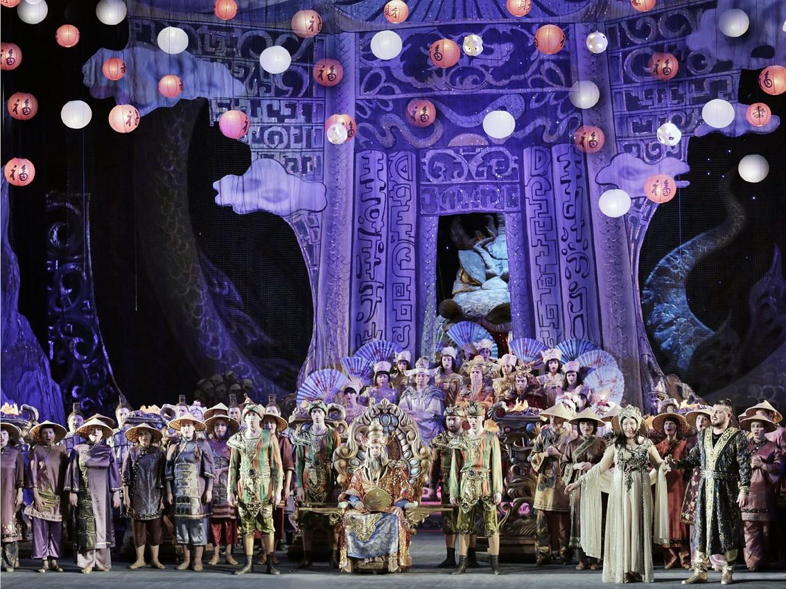 Донбасс Опера покажет астраханцам свои лучшие репертуарные спектакли