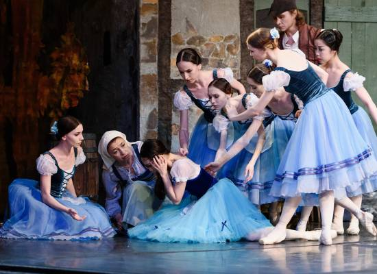 Репортаж Астрахань 24 из балетного репетиционного зала