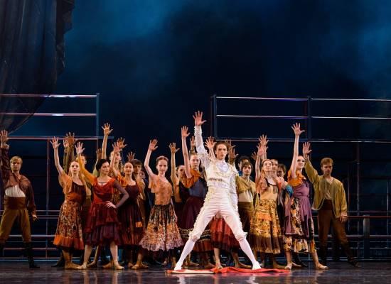 Премьера одноактных балетов «Кармен-сюита» и «Крестный отец»