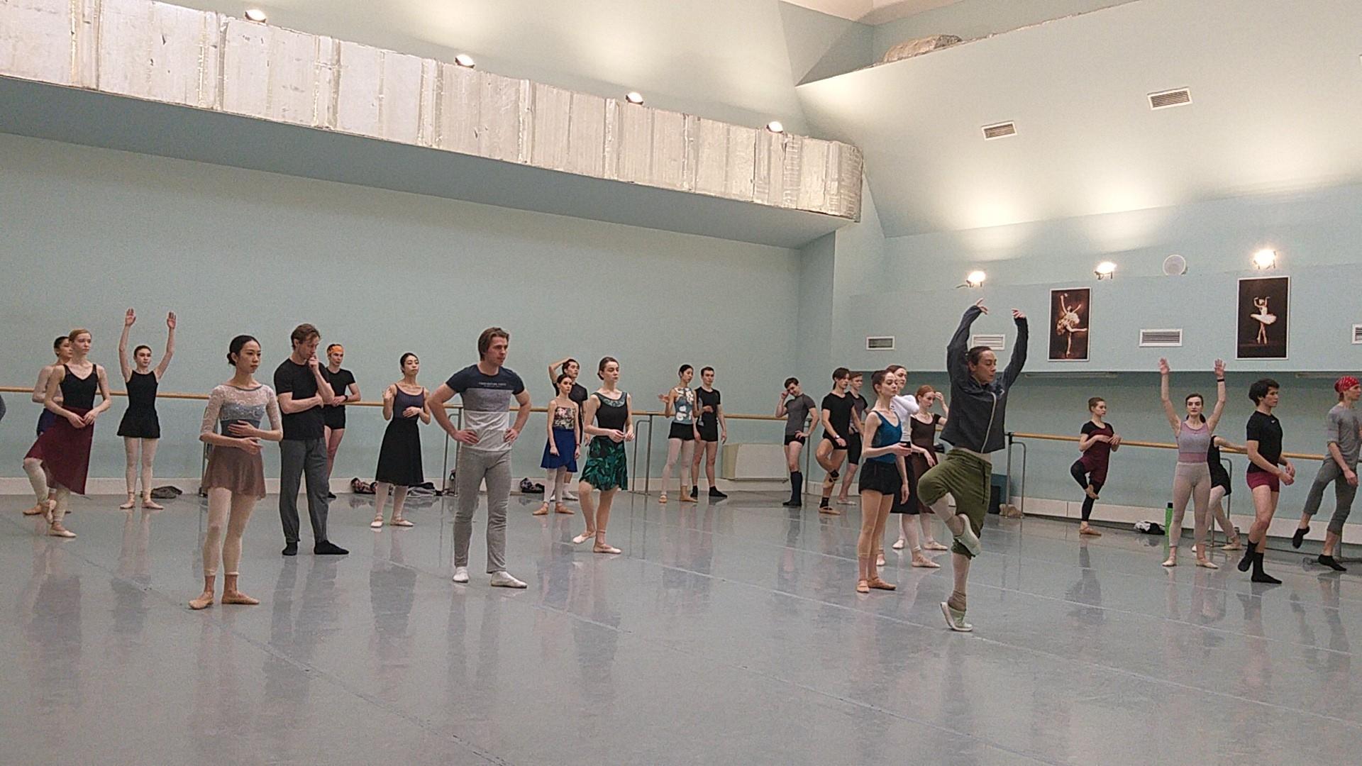 Известная балерина Дарья Павленко приехала в Астрахань