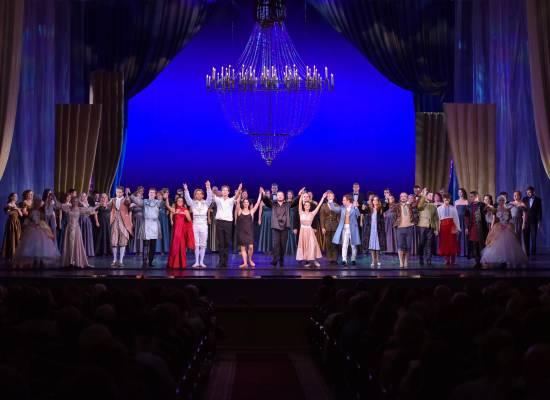Музыкальный фейерверк на сцене Астраханского театра Оперы и Балета