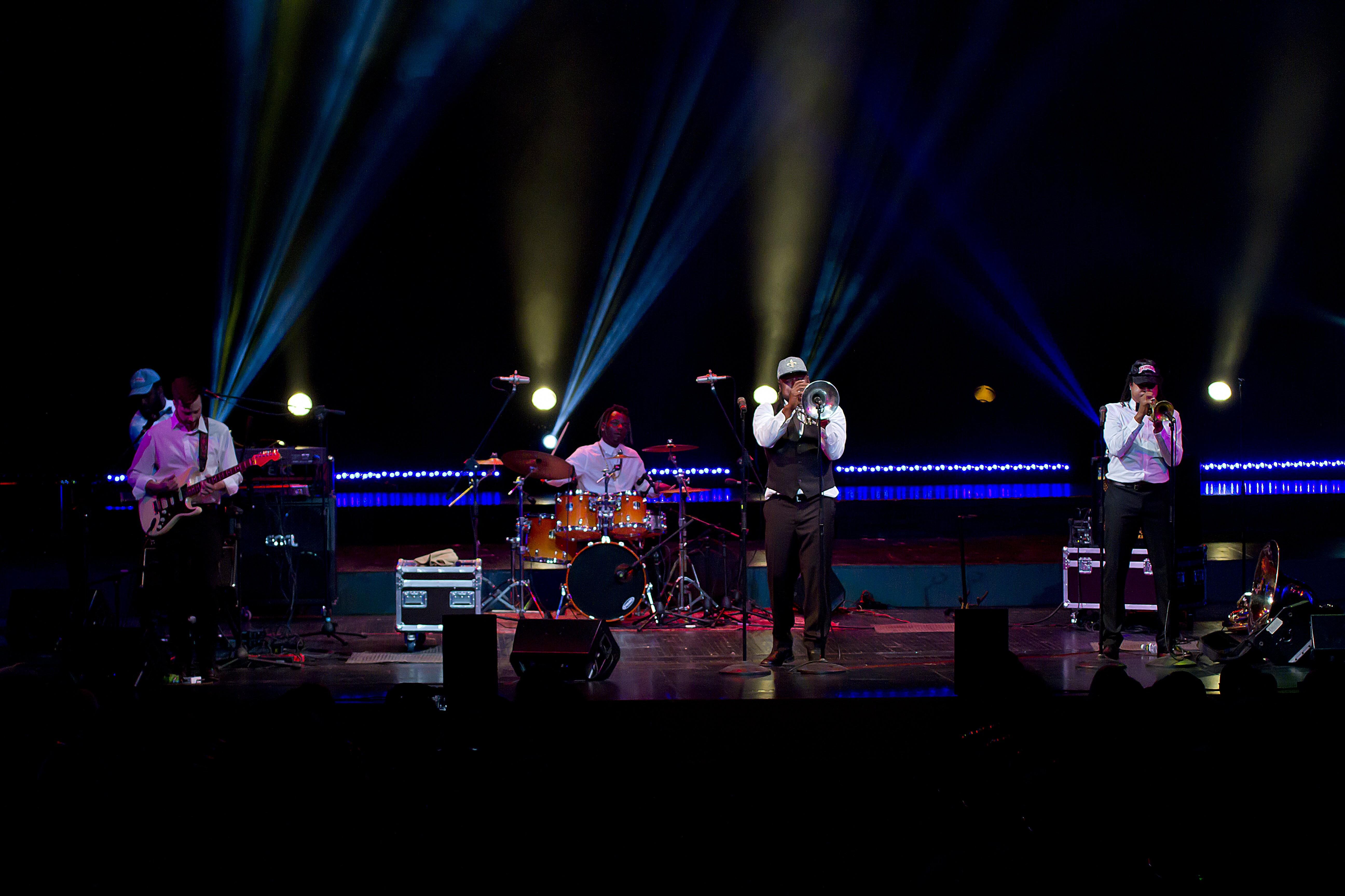 С 24  по 28 октября в Астрахани проходит третий Международный фестиваль «Дельта-джаз»