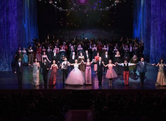 Июнь радует прекрасной погодой, а Астраханский театр оперы и балета новыми музыкальными программами