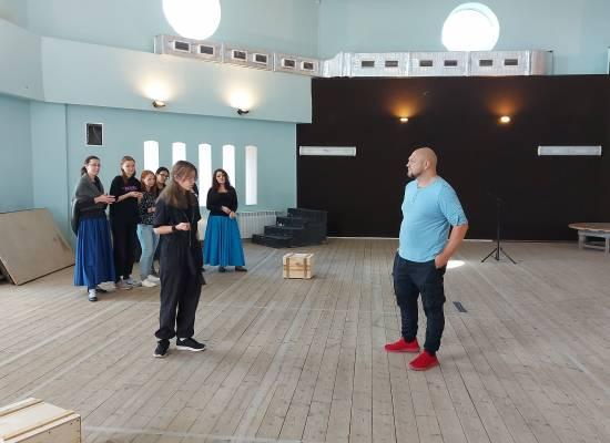 Артисты оперы приступила к репетиции премьерного спектакля