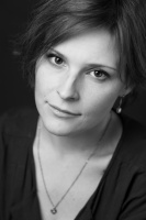 Сегодня празднует День рождения Елена Викторовна Вершинина - главный художник-постановщик Астраханского государственного театра Оперы и Балета!