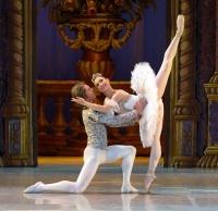 Астраханский балет приглашает зрителей!