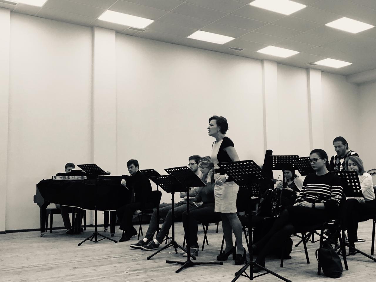 Оперная труппа готовится к премьере оперы Дж. Верди «Трубадур»