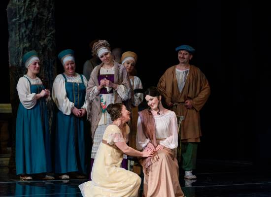 """Опера """"Евгений Онегин"""" -  подарок всем поклонникам театрального искусства и классической музыки"""
