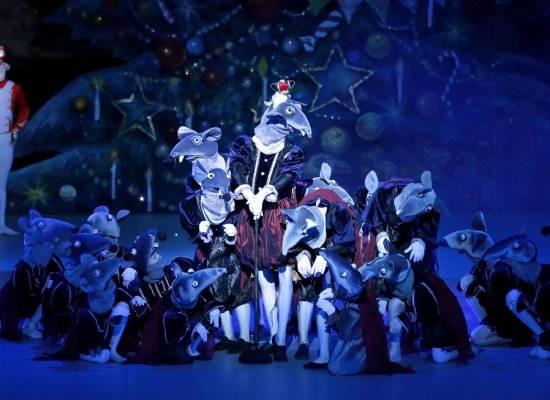 Балет П.И. Чайковского  «Щелкунчик» приглашает