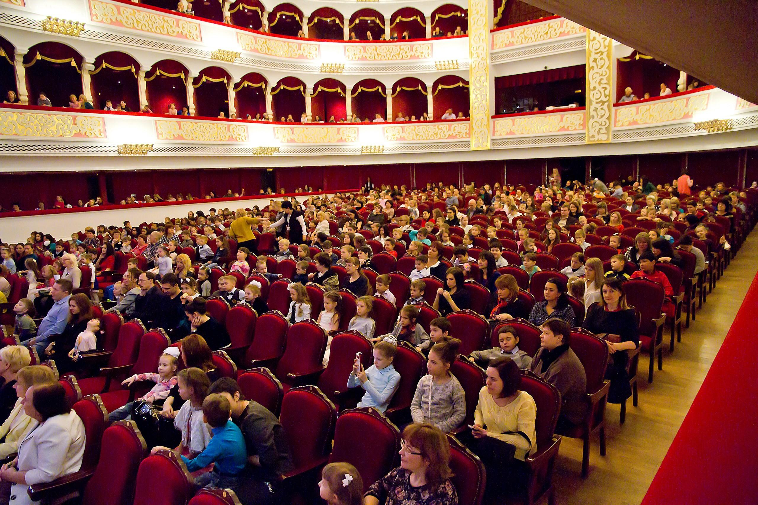 На Большой сцене Астраханского театра Оперы и Балета продолжаются чудеса!