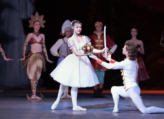 Сказочный балет «Щелкунчик» на сцене Астраханского театра Оперы и Балета