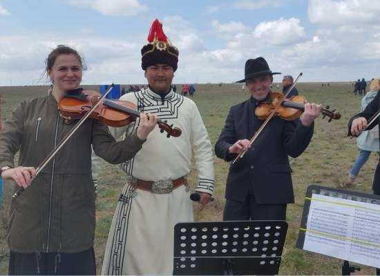 Струнный квартет театра впервые выступил на фестивале Тюльпанов в Калмыкии