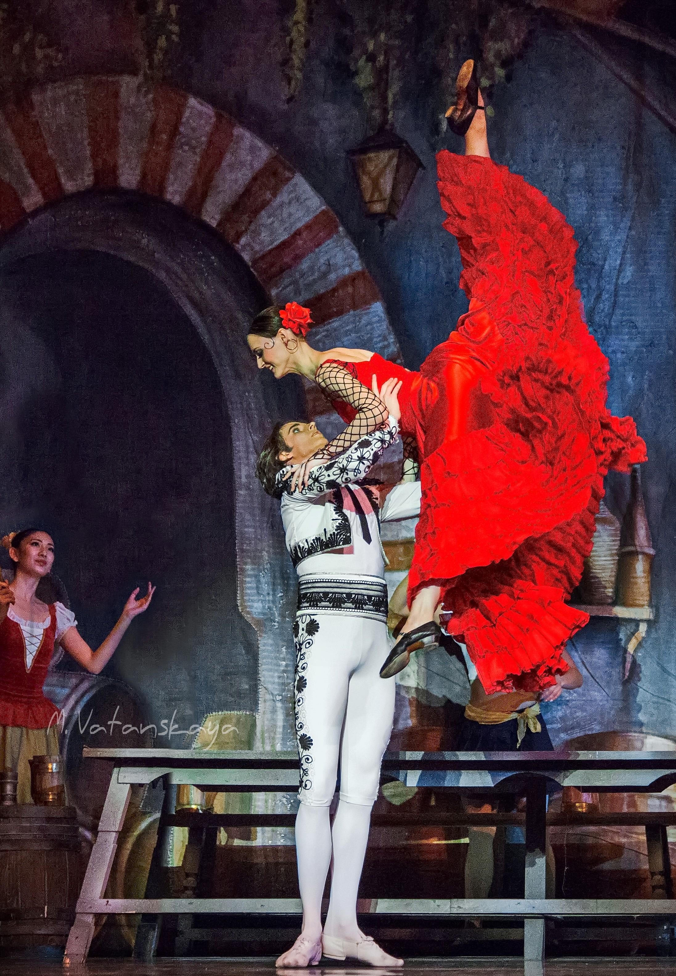 Астраханский театр Оперы и Балета представляет  балетную постановку «Дон Кихот»