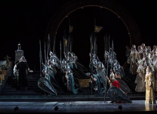 23 февраля эпическая опера «Князь Игорь» на сцене  Астраханского театра Оперы и Балета
