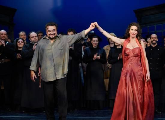 Торжество оперы