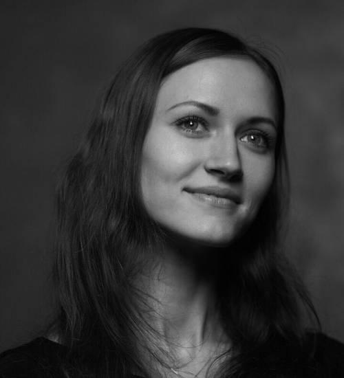 Анна Никонова